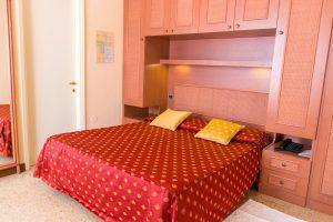 Particolare di uno dei letti delle camere di Hotel Principe Bibione